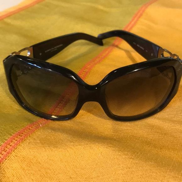 5607d92ddeb5 Carolina Herrera Accessories - Carolina Herrera sunglasses